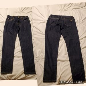Michael Kors ladies Jean's are size 6